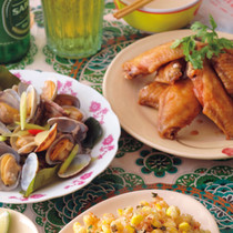 あさりのレモングラス蒸し(写真左)