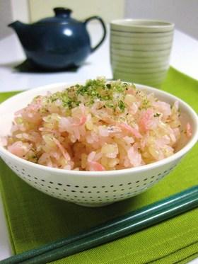 白だしで炊く桜えびご飯-磯の香り-