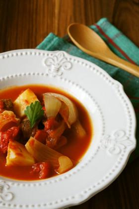 野菜ゴロゴロ♪柔らか牛肉のトマト煮込み