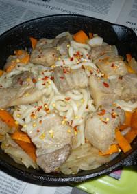 豚ロースと野菜たっぷりの焼きうどん