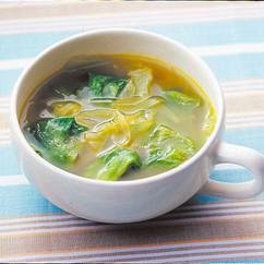 レタスと玉ねぎのカレー風味スープ