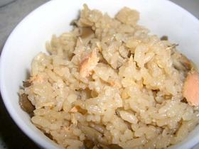 秋香る♪鮭と舞茸の炊き込みご飯♪