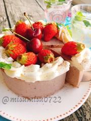 アサイーとベリーバナナのレアチーズケーキの写真