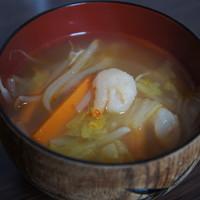 エビ入り☆野菜たっぷりピリ辛中華スープ