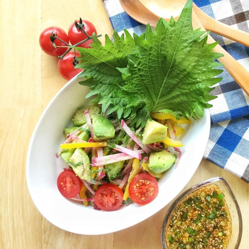 アボカドのピリ辛ねぎ胡麻サラダ。