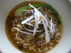 インスタントラーメンdeタンタン麺