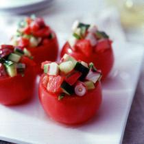 たこときゅうりのトマトカップサラダ