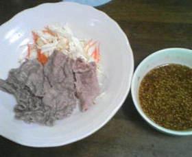牛シャブ肉と野菜の自家製胡麻だれソース