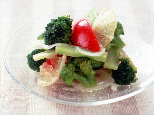 ブロッコリーとトマトのサラダ