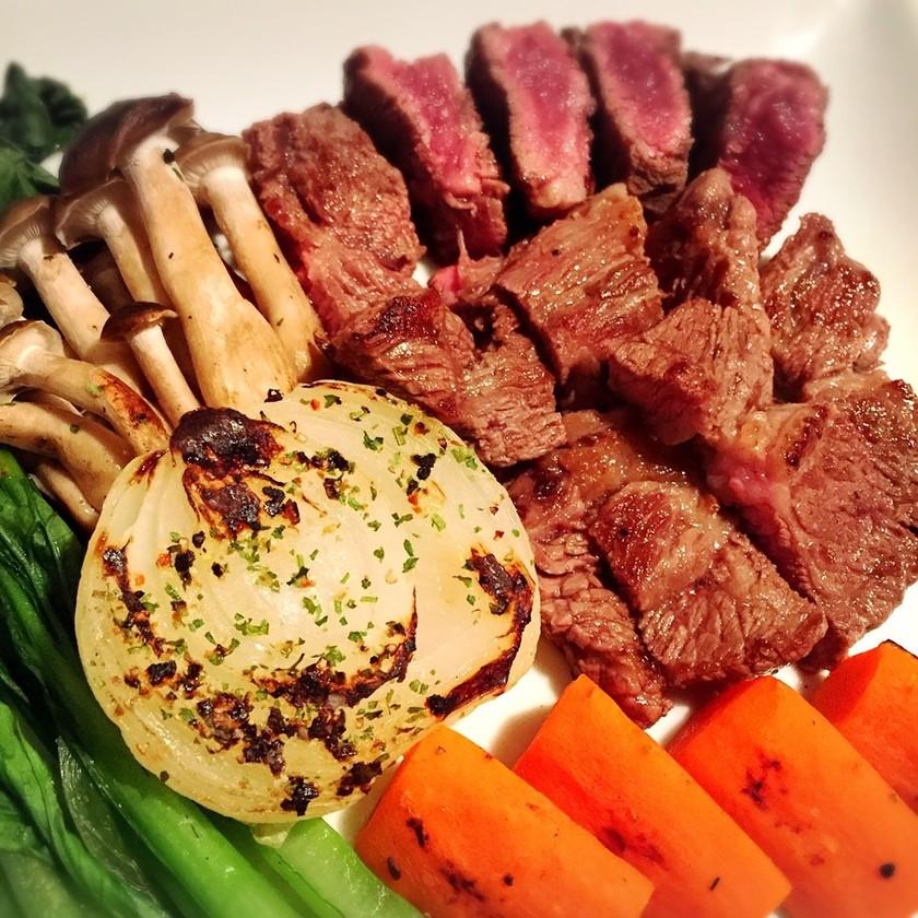 糖質制限!牛肩ロースステーキと野菜グリル