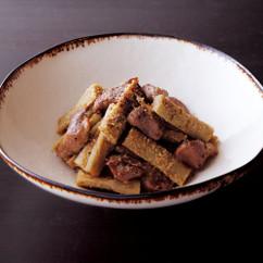 たたきごぼうと砂肝のサラダ