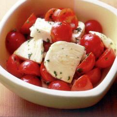 トマトとチーズのイタリアンサラダ