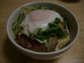 豚肉と豆腐の「のっけご飯」