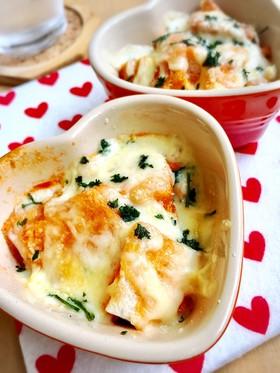 簡単朝食♡野菜ジュースとチーズのパン