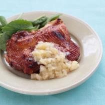 鶏肉の漬け焼き 桃ソース