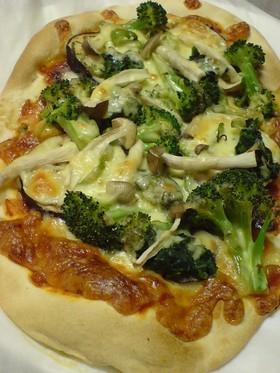 ハニー生地の野菜ピザ