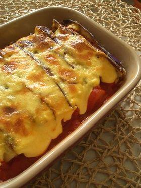茄子とトマトソースの重ね焼き