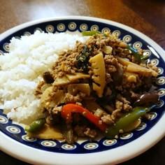 タイ風*ナスと挽き肉のバジル炒めご飯