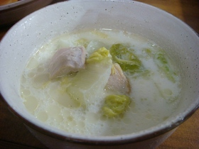 白菜と鶏肉のミルクスープ