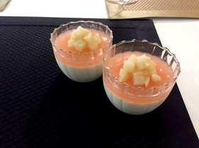 桃缶で簡単!夏のデザート☆白桃のムース