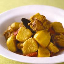 里いもと鶏肉のカレー蒸し煮