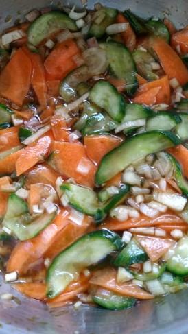 夏にさっぱり みょうがと野菜の簡単和え物