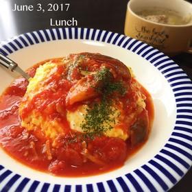 トマトソースオムライス