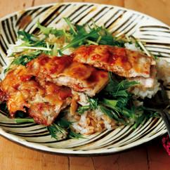 「パック成形」でバタポン薄切り肉ステーキ丼