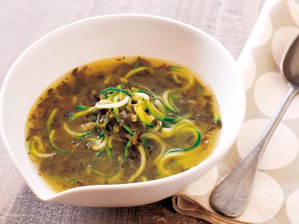 ズッキ麺めかぶスープ