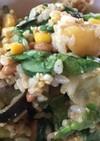 残ったカレーで!納豆と夏野菜のチャーハン