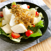 カリカリじゃこと豆腐の和サラダ