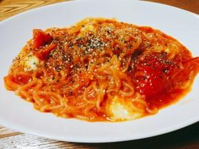 トマトとモッツァレラのしらたきパスタ