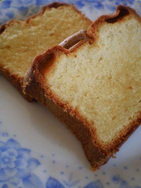 リッチな風味パウンドケーキ