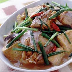 かわはぎと豆腐のピリ辛煮