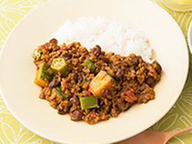 レーズン入り野菜とひき肉のカレー