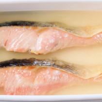 焼き鮭のマリネ