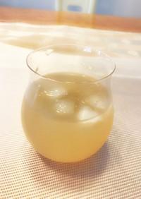 爽やかな白ブドウ酢のりんごジュース割り