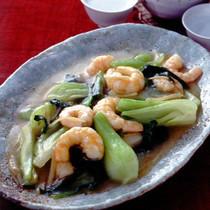 青梗菜とえびのしょうが炒め