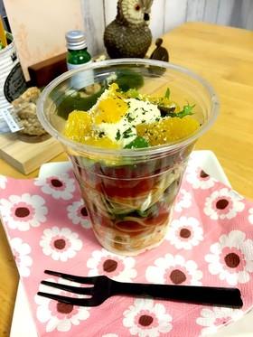トマト&バジルとチーズソースの冷製パスタ