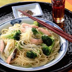 鮭とブロッコリーのしょうが風味スパゲティ