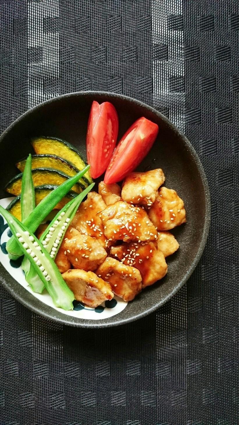簡単節約☆鶏胸肉でコク旨照り焼きチキン。