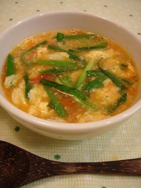 トマト入り♥ニラ玉スープ