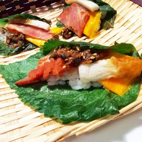 エゴマ葉で手巻き寿司