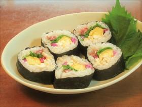 鶏ささみと出汁巻き卵としば漬けの巻き寿司