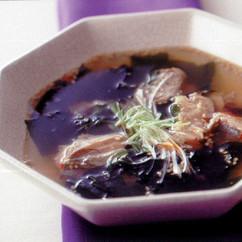 鮭とわかめの韓国風スープ