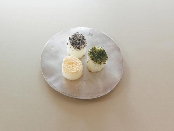 しがらき3種(きな粉、青のり、黒すりゴマ)