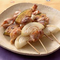 鶏肉、かぼちゃ玉ねぎの串焼き