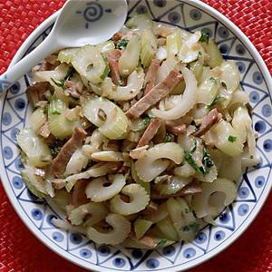 セロリと焼き豚のザーサイ炒め