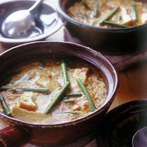 厚揚げとにんにくの茎の韓国風卵とじ