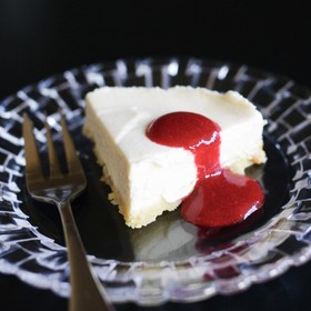 簡単レアチーズケーキ。松の実入り。
